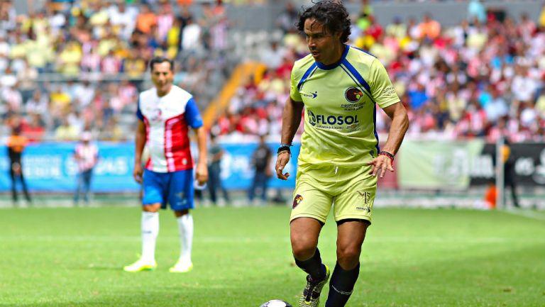 Braulio Luna durante un partido de leyendas