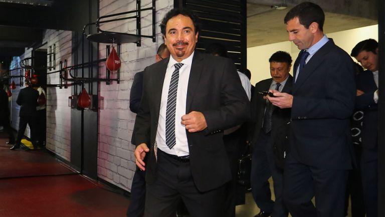 Hugo Sánchez arriba a una conferencia de prensa