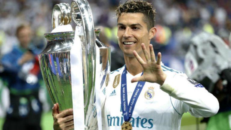 Cristiano Ronaldo celebra haber ganado ChampioNS League