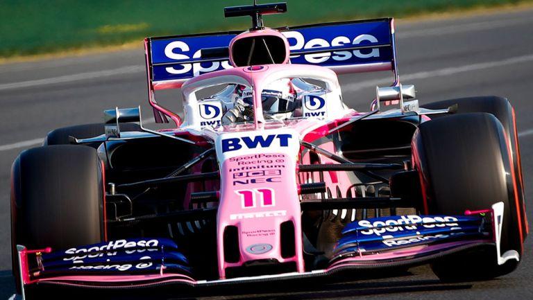 Sergio Pérez en su monoplaza durante el GP de Australia