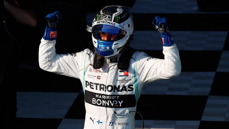 Valtteri Bottas festejando su triunfo en el GP de Australia