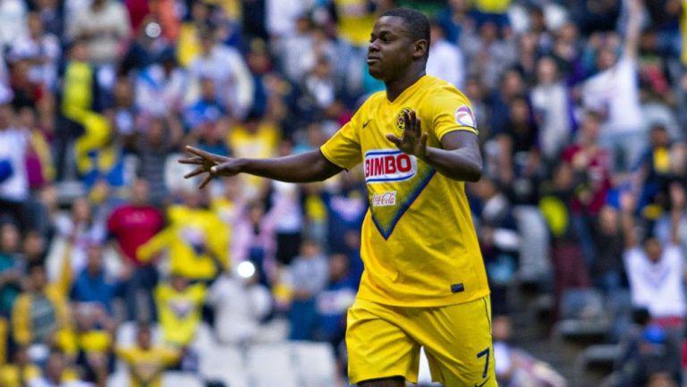Narciso Mina, durante un juego con el América en el A2013
