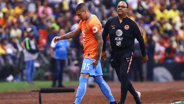 Castillo salió tocándose la parte posterior del muslo izquierdo del partido vs Tigres