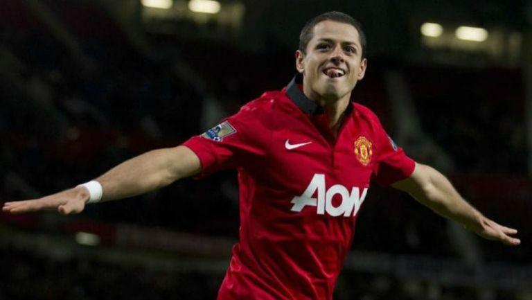 Chicharito festeja un gol con Manchester United