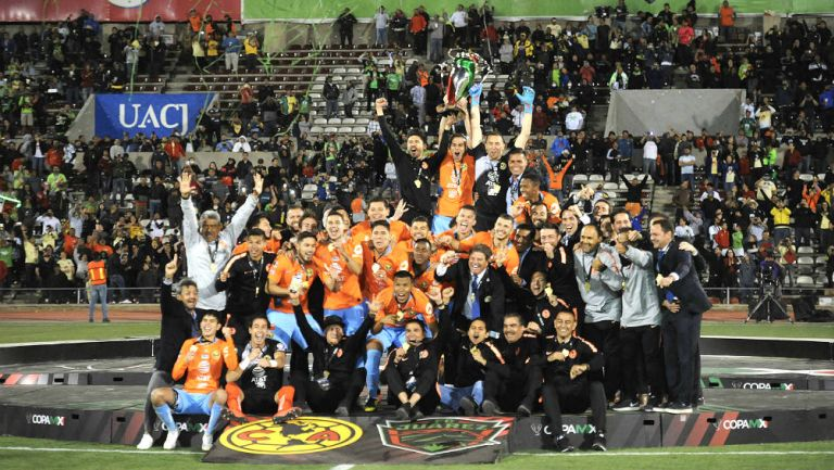 América celebra su título de la Copa MX