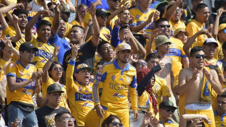 Aficionados de Tigres durante un partido