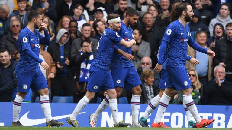 Jugadores del Chelsea, durante un duelo en Premier