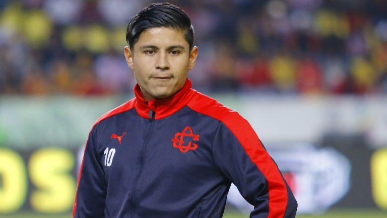 La Chofis López antes de un partido con Chivas