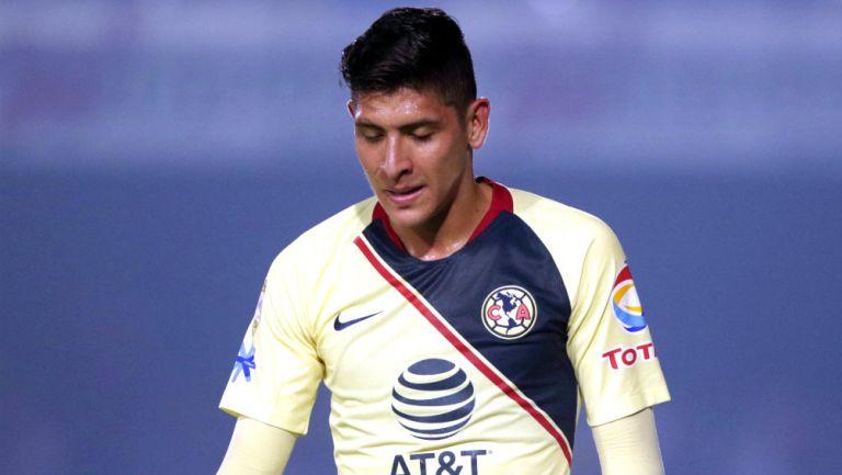 Edson Álvarez en lamento durante un encuentro ante Veracruz