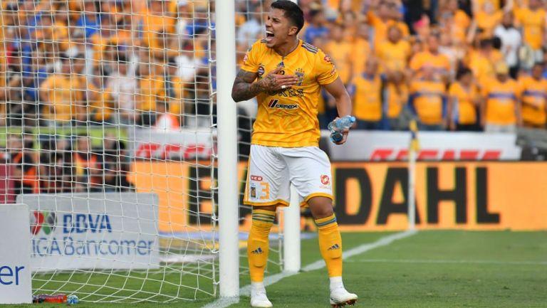 Carlos Salcedo festeja pase de Tigres a la Final de Tigres