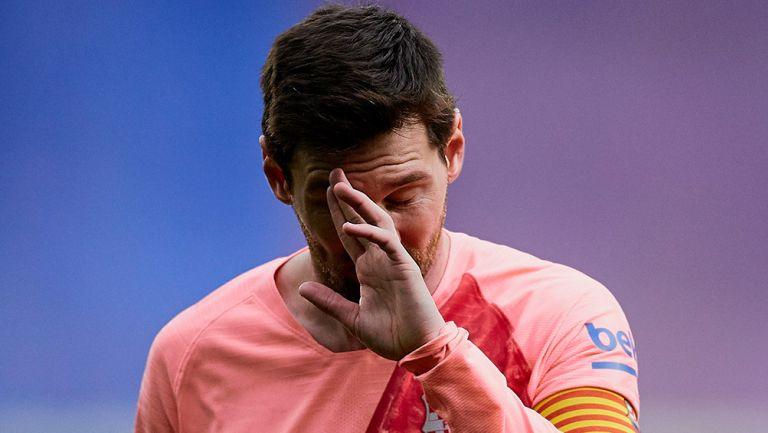 Messi en lamento durante un juego con el Barcelona