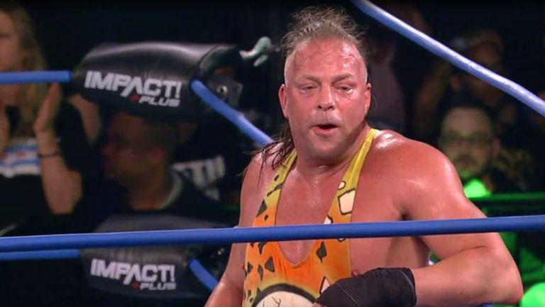 Rob Van Dam después de vencer a Tommy Dreamer