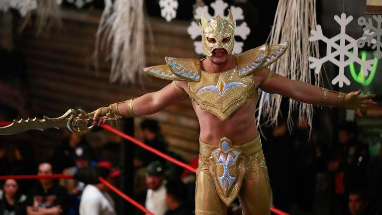 Golden Magic hace su entrada al ring