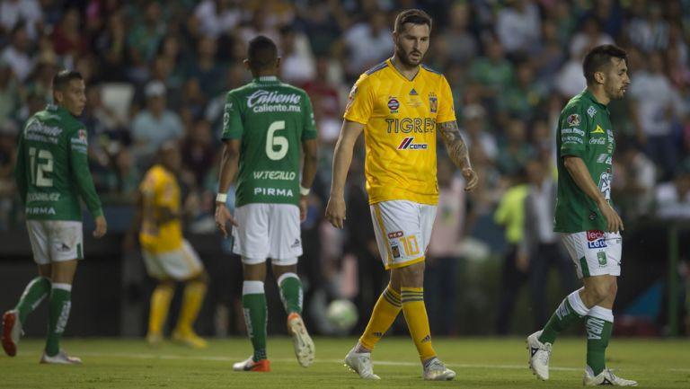 Gignac y Navarro, durante la Final del Clausura 2019