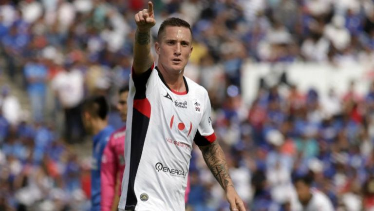 Ramos festeja gol con Lobos BUAP