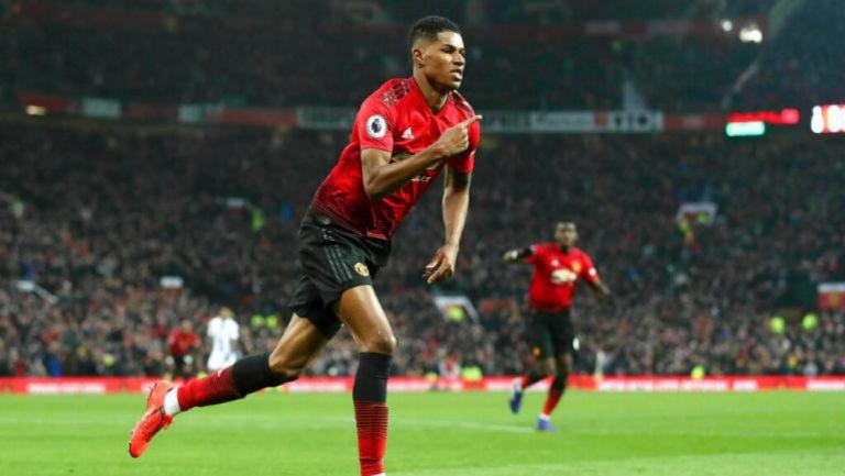 Rashford celebra gol con el Manchester United