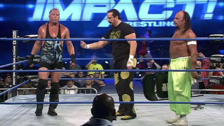 RVD, Tommy Dreamer y Sabu en el ring de Impact Wrestling
