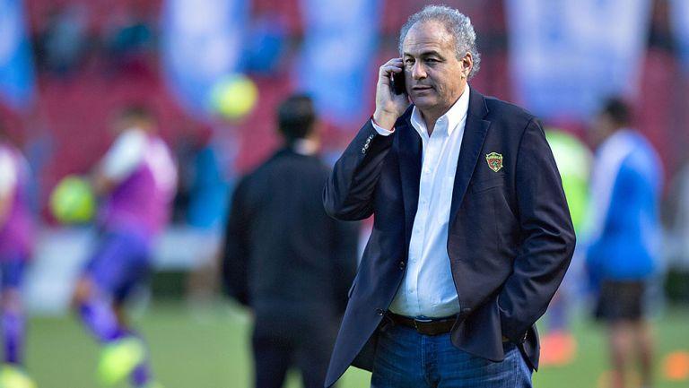 Álvaro Navarro antes de un partido de Bravos de Juárez