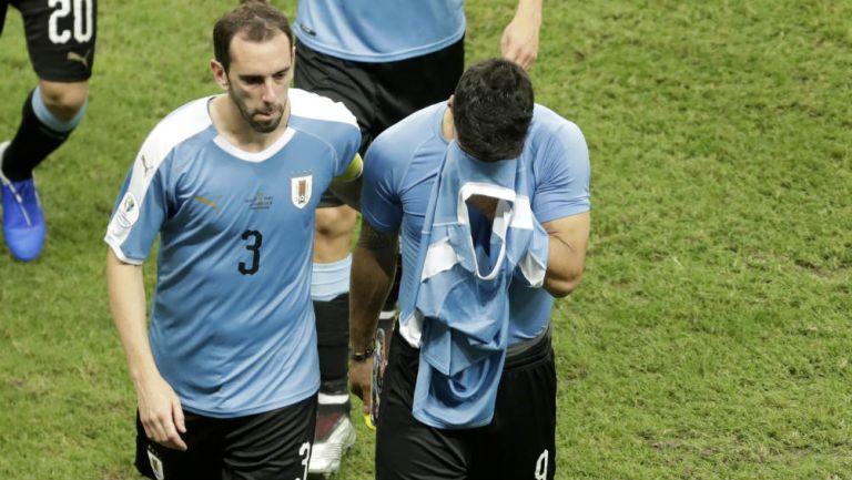 Luis Suárez abandona el terreno de juego en medio del llanto