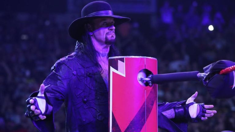 The Undertaker reaparece en RAW