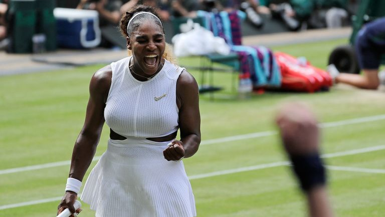 Serena Williams grita durante su partido