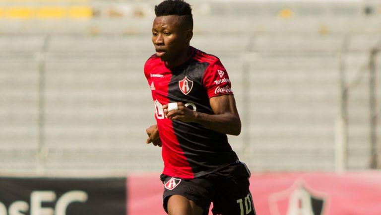 Clifford Aboagye, durante un juego con Atlas