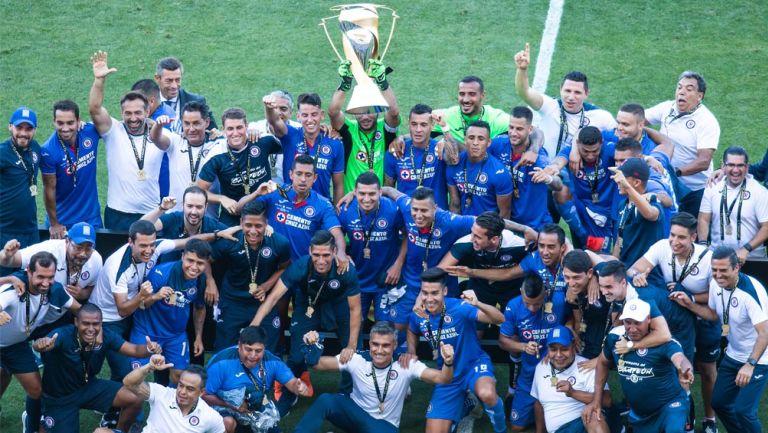 Cruz Azul festeja Campeonato de la Super Copa MX