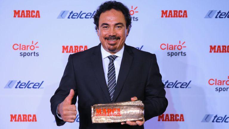 Hugo Sánchez, en una conferencia de prensa