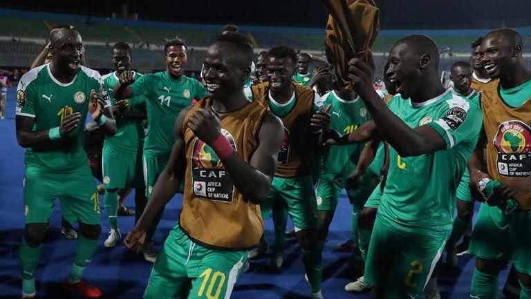 Sadio Mané encabeza celebración de Senegal por pase a la Final