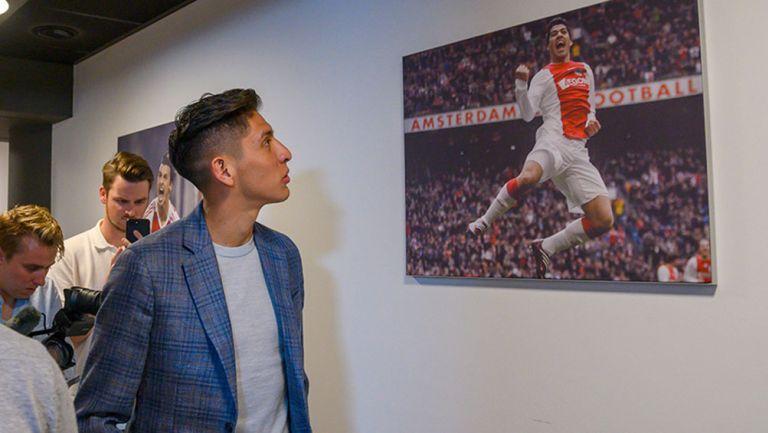 Edson Álvarez en las instalaciones del Ajax