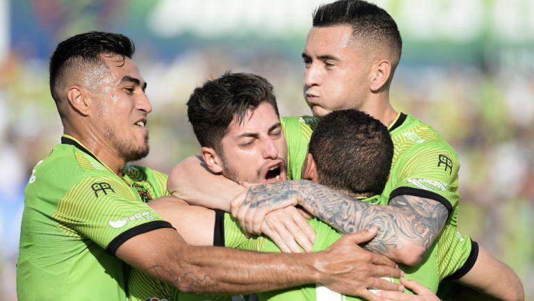 FC Juárez celebra una anotación frente a Toluca