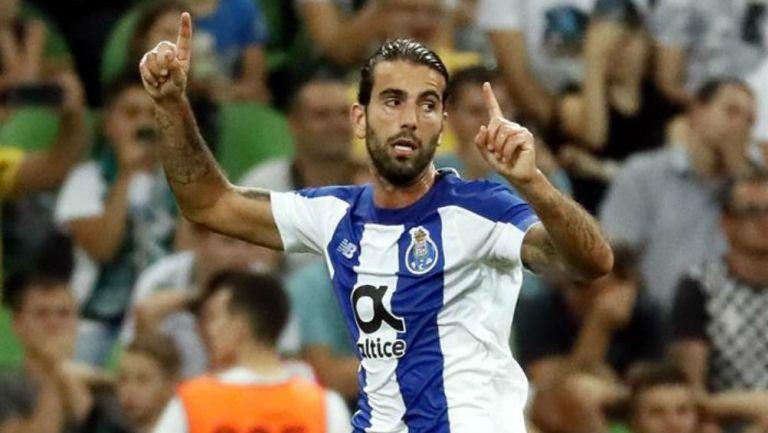 Oliveira festeja gol ante Krasnodar