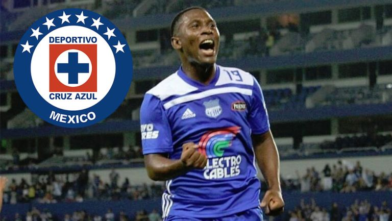 Brayan Angulo celebra gol con Emelec
