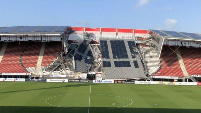 Por los fuertes vientos, se derrumbó parte de un estadio en Holanda