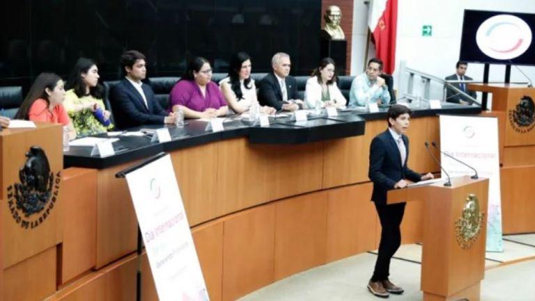 Ruiz Tomé ofrece su discurso en el Senado