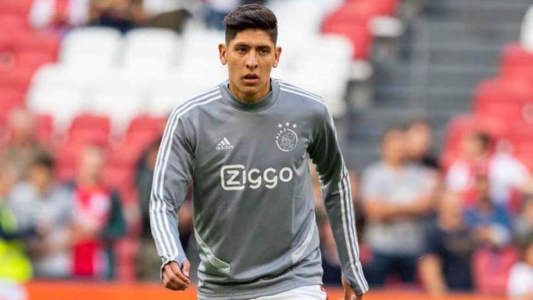 Edson Álvarez, en un calentamiento del Ajax