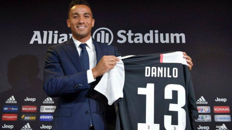 Danilo, en su presentación con Juventus