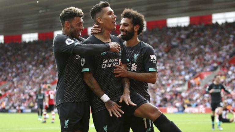 Roberto Firmino celebra el segundo gol del Liverpool