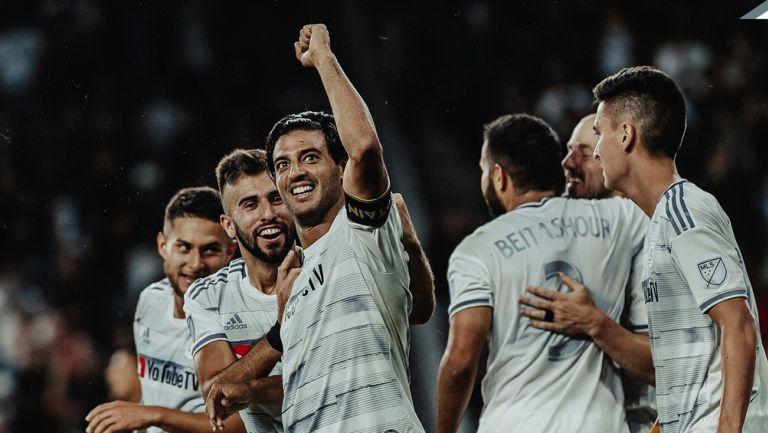 Carlos Vela celebra un golazo ante San Jose