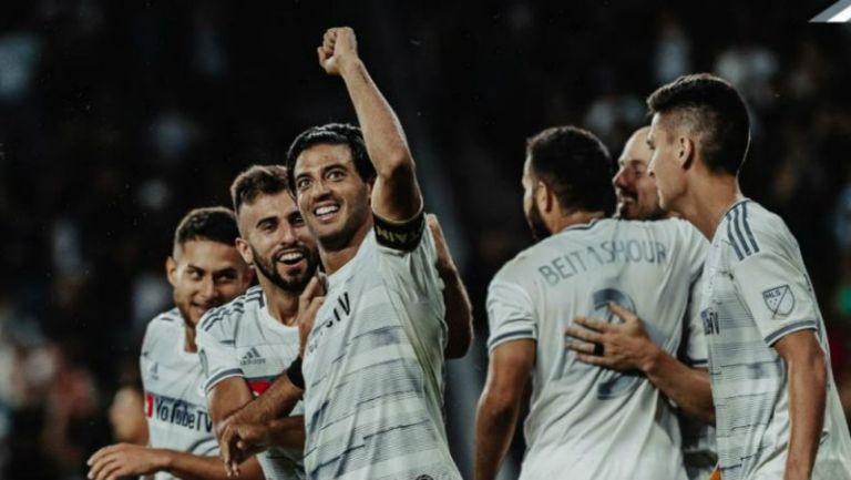 Carlos Vela festeja un tanto con LAFC