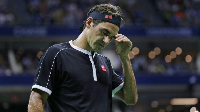 Federer se lamenta tras derrota contra Grigor Dimitrov