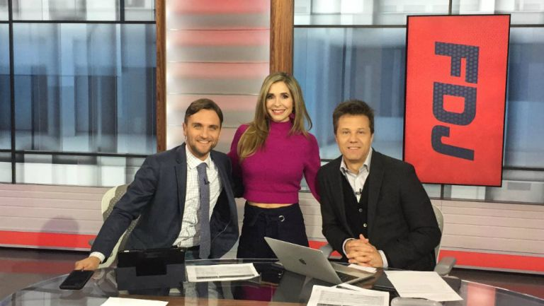 Antonio Noriega y Carolina Guillén previo a un programa junto a Alex Pareja