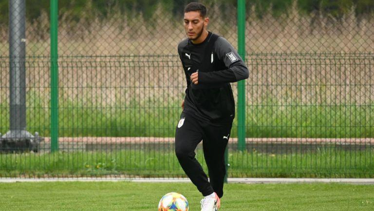 Sebastián Cáceres durante un entrenamiento con Uruguay