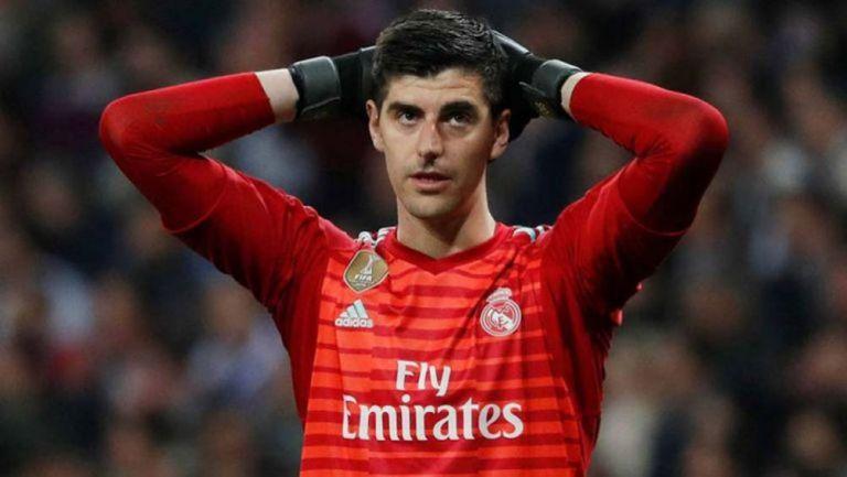 Courtois lamenta una jugada en un duelo del Real Madrid
