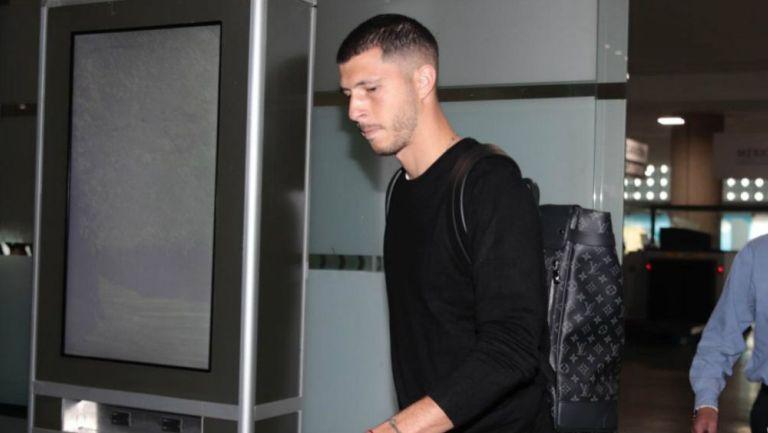 Guido Rodríguez, en su llegada al aeropuerto de la CDMX