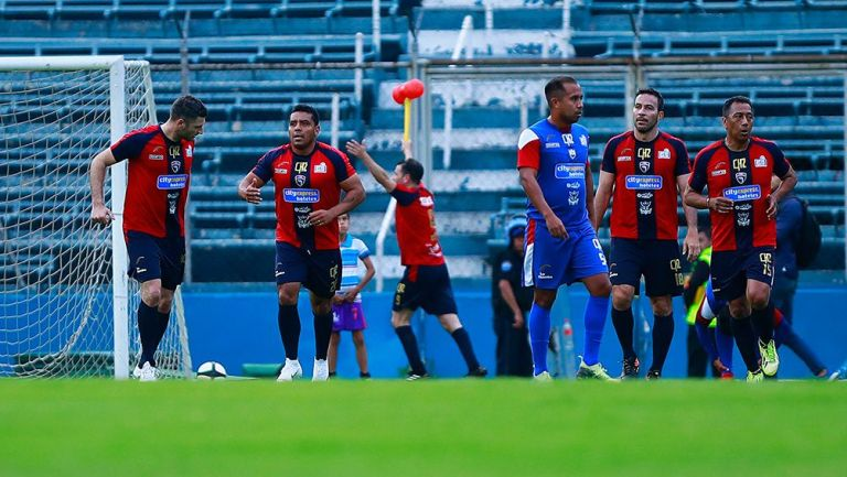 Leyendas de Atlante previo al partido con Cruz Azul