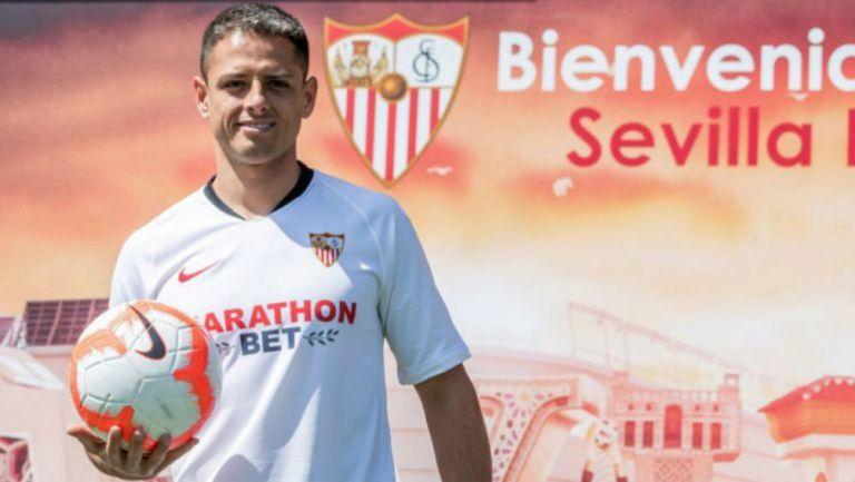 Javier Hernández, en su presentación con Sevilla