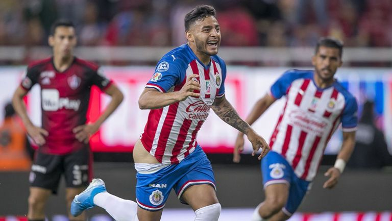 El festejo del gol de Alexis Vega contra Atlas