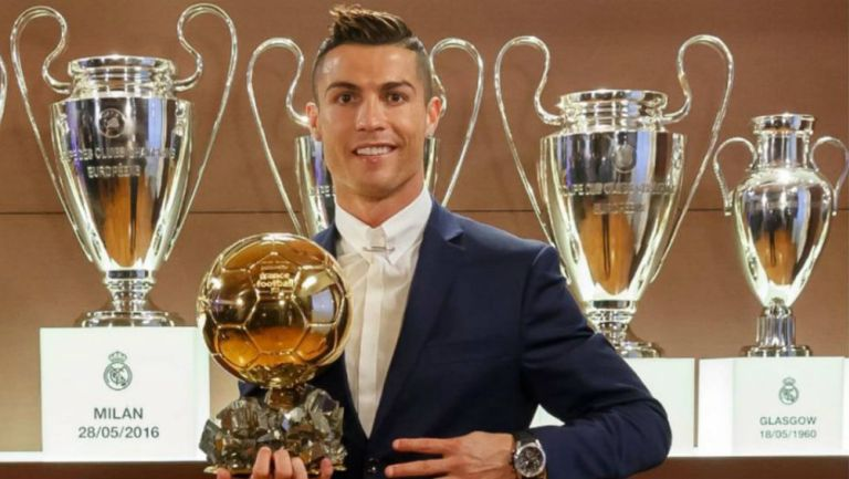 Cristiano presume sus trofeos
