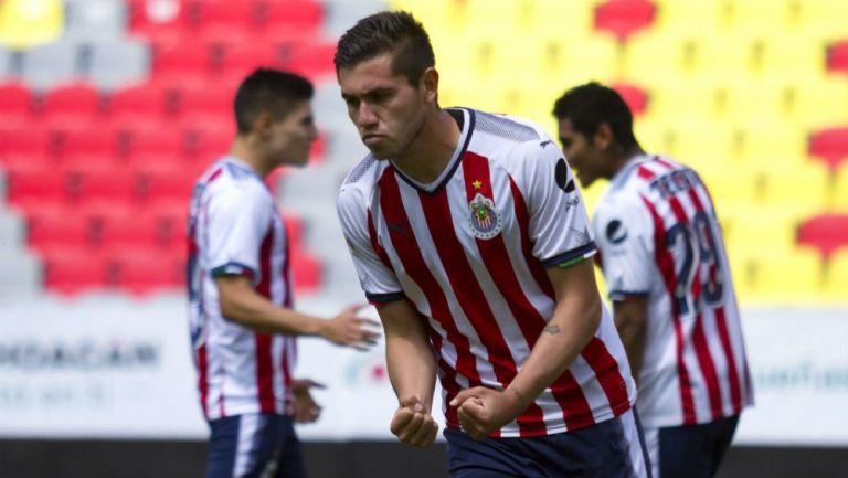 Bryan Salazar festeja un gol con Chivas Sub 20